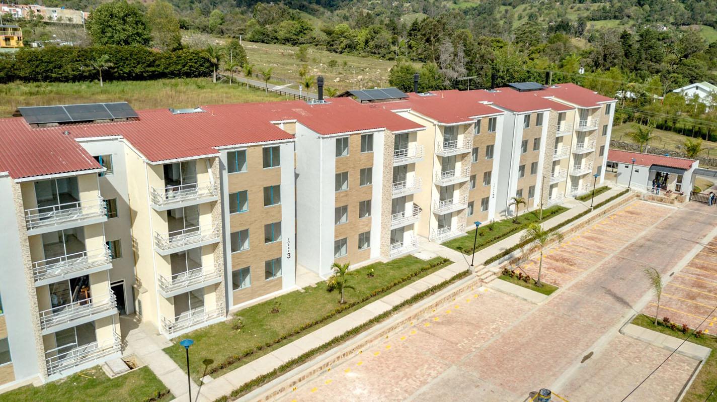 Construcciones Ulloa proyectos Las Palmeras pacho 6