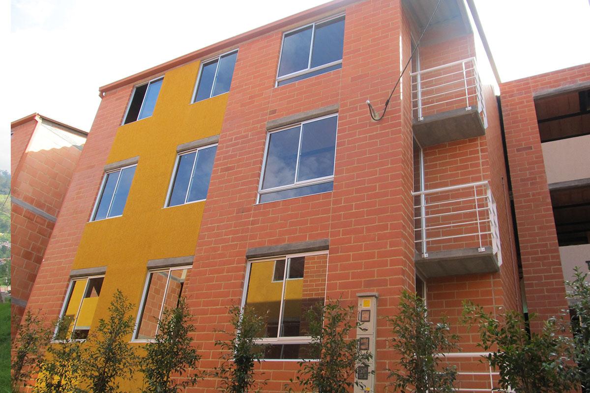 Construcciones Ulloa proyectos Villa del sol Pacho 2